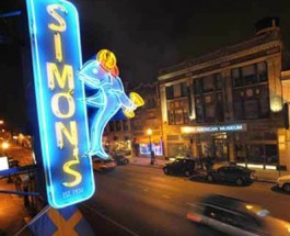 Simon's Tavern In Andersonville Makes National News